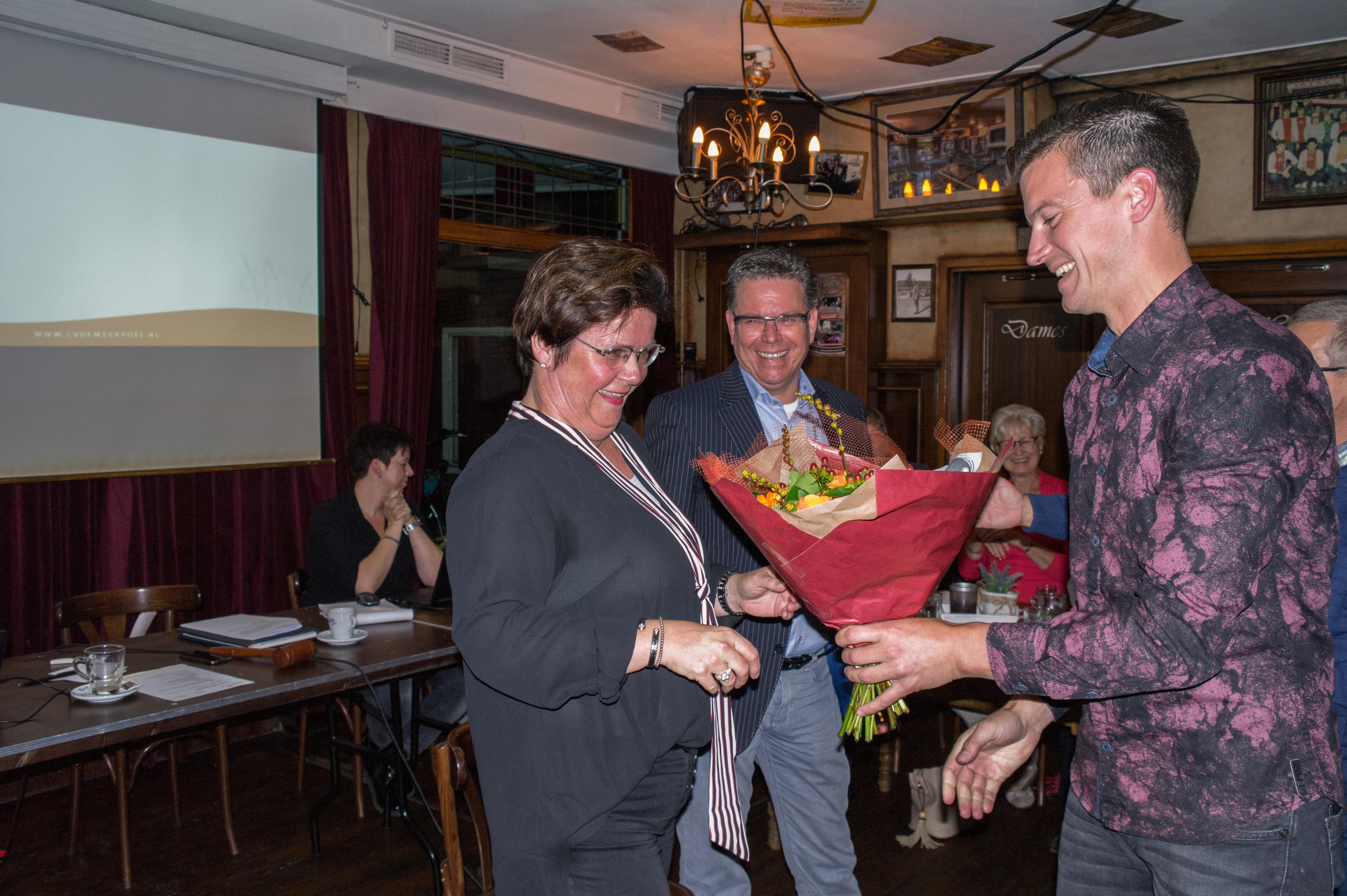 Martie Jeuken tijdens najaarsvergadering benoemd tot Groot-Officier in de orde van het Meerpoelrijk